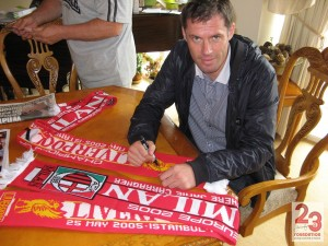 Carragher Liverpool firmada V AC Milan 2005 Estambul CL final Bufanda