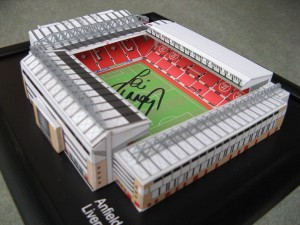 Liverpool Anfield Miniature Model Stadium signert av Jamie Carragher
